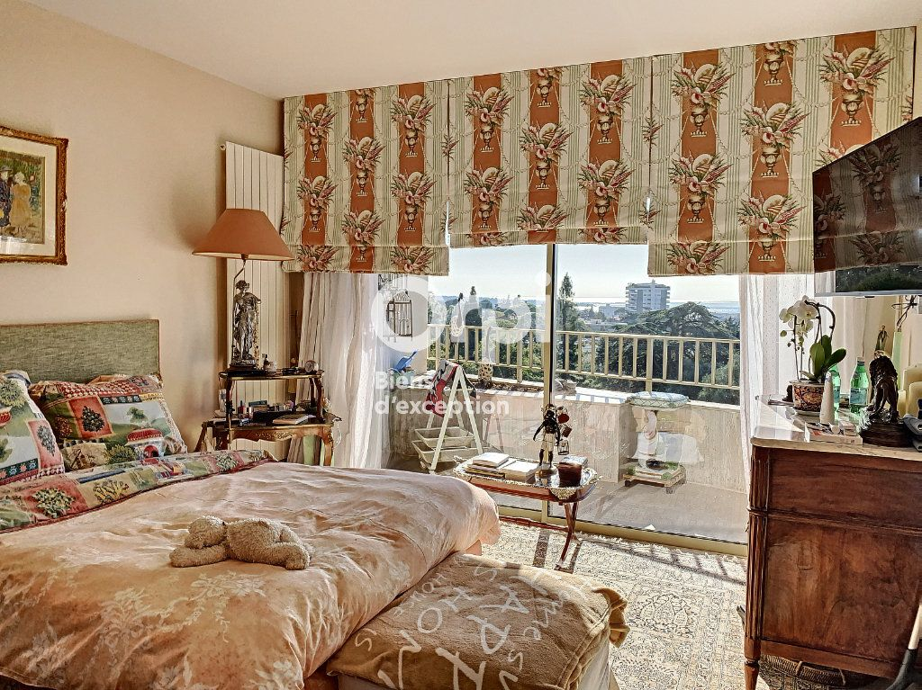 Appartement à vendre 3 107m2 à Cannes vignette-5