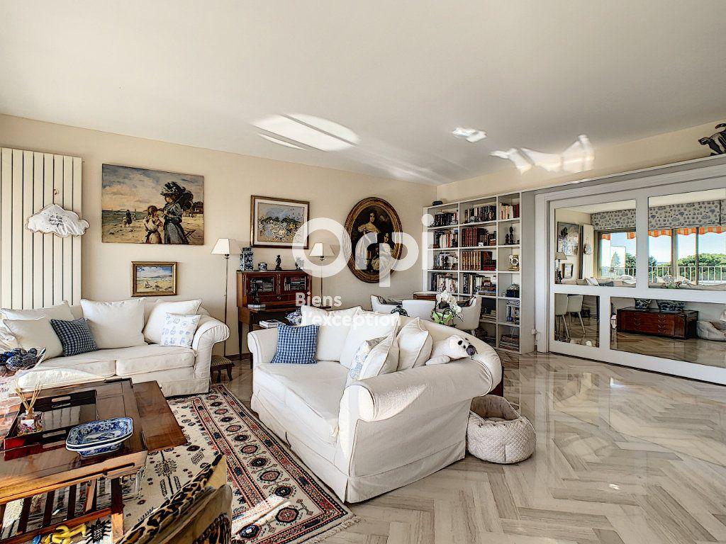 Appartement à vendre 3 107m2 à Cannes vignette-7