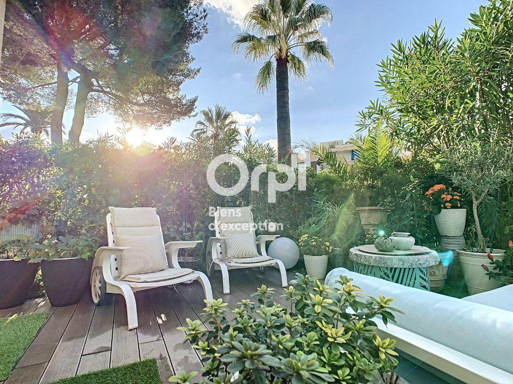Appartement à vendre 3 75.03m2 à Cannes vignette-1