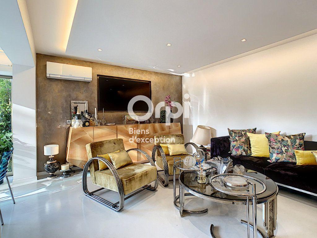 Appartement à vendre 3 75.03m2 à Cannes vignette-4