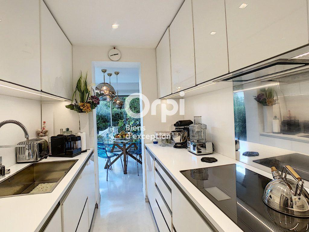 Appartement à vendre 3 75.03m2 à Cannes vignette-11