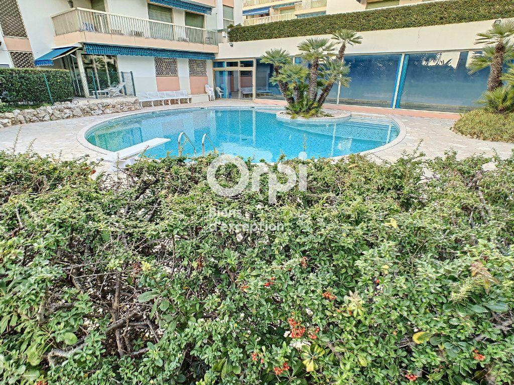 Appartement à vendre 3 75.03m2 à Cannes vignette-16