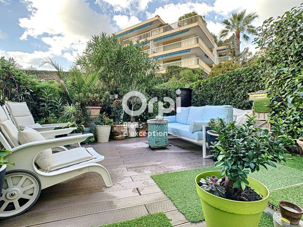 Appartement à vendre 3 75.03m2 à Cannes vignette-18