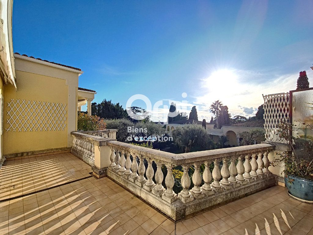 Appartement à vendre 4 104.04m2 à Cannes vignette-1