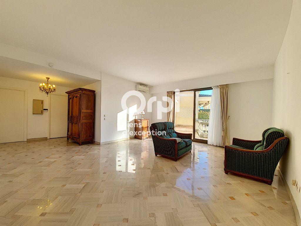 Appartement à vendre 4 104.04m2 à Cannes vignette-3