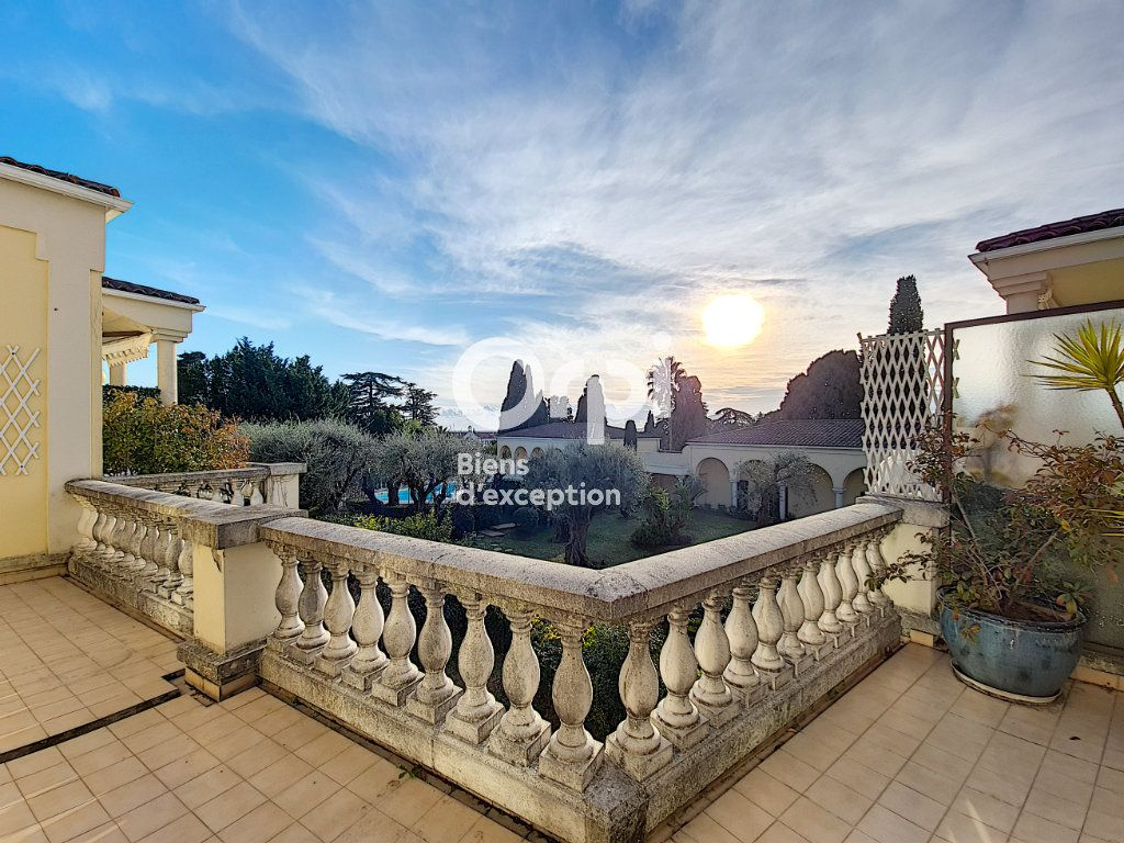 Appartement à vendre 4 104.04m2 à Cannes vignette-4