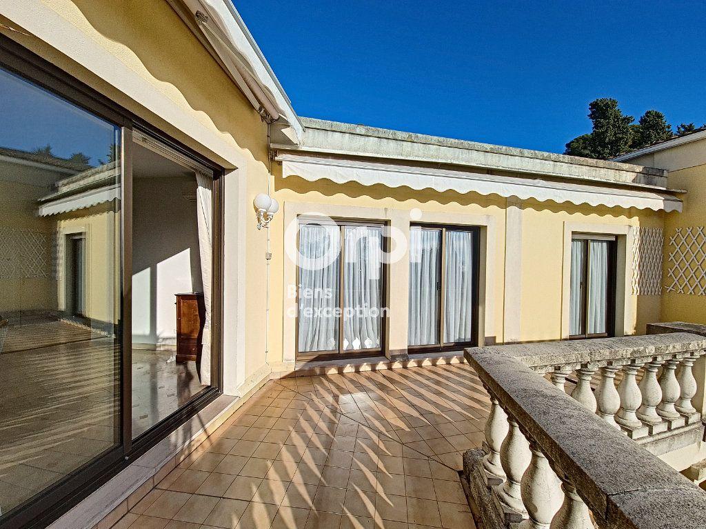 Appartement à vendre 4 104.04m2 à Cannes vignette-6