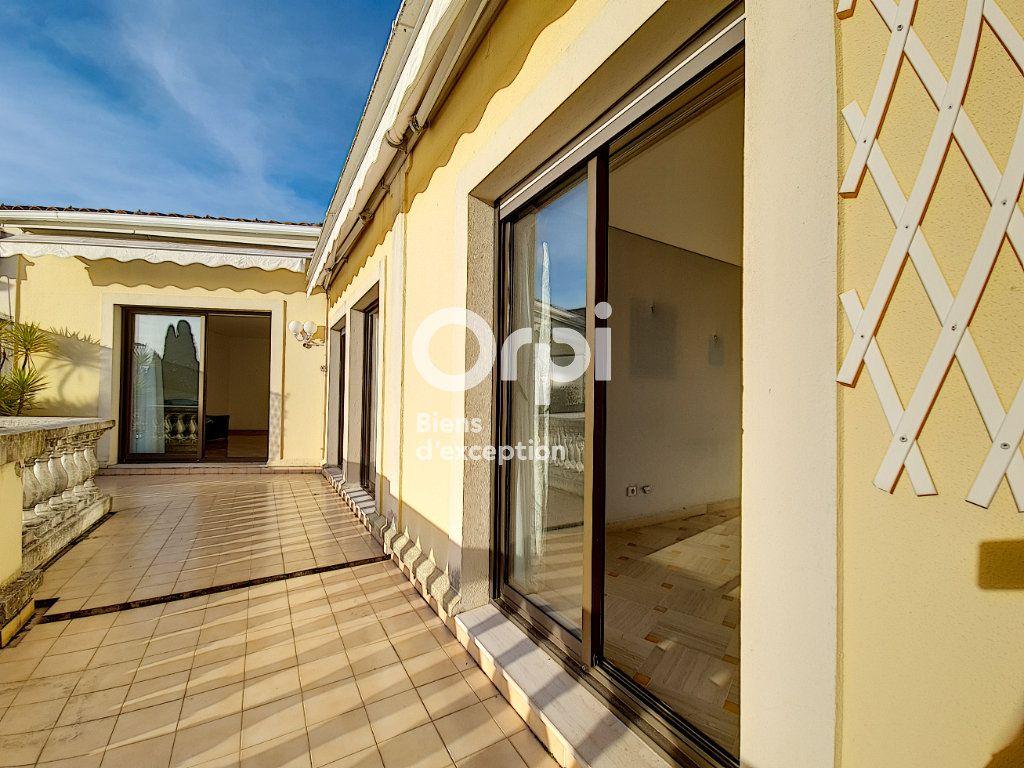 Appartement à vendre 4 104.04m2 à Cannes vignette-7