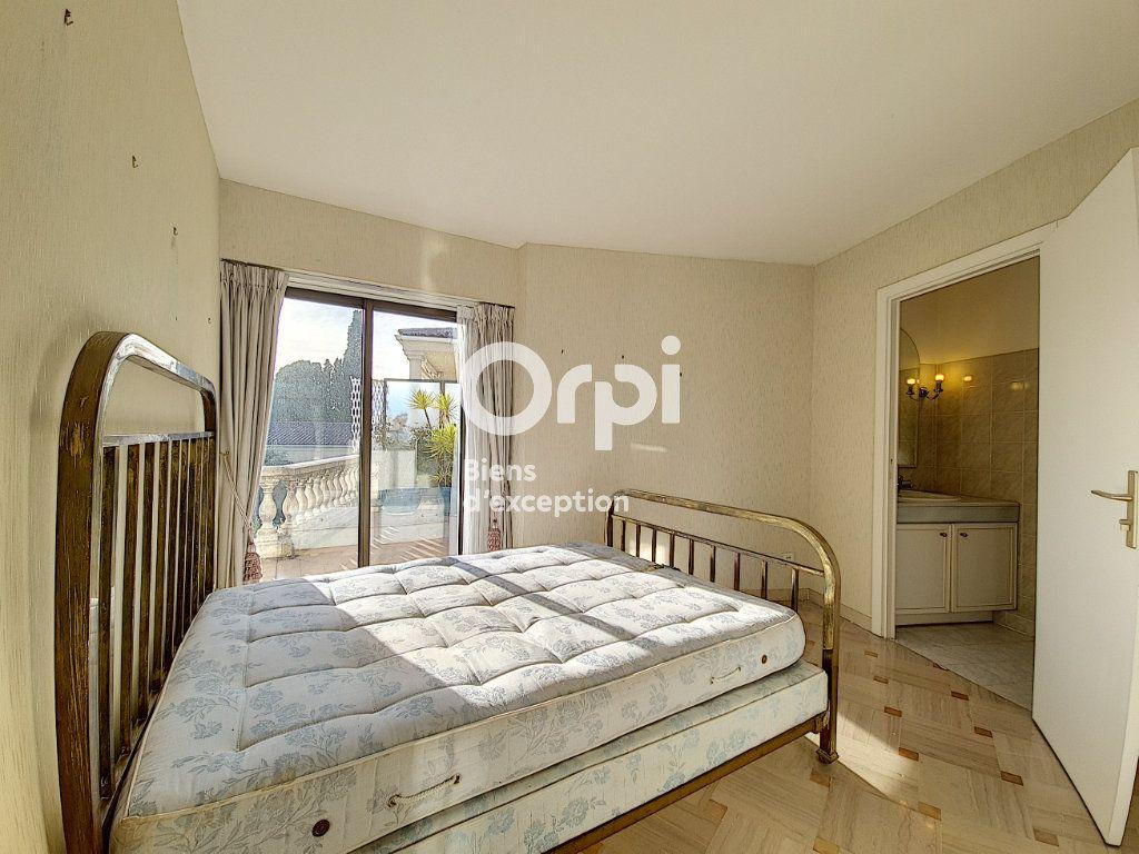 Appartement à vendre 4 104.04m2 à Cannes vignette-9