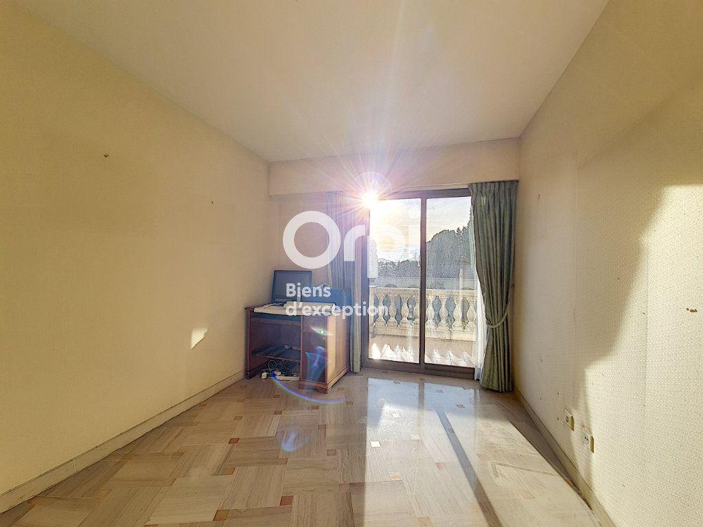 Appartement à vendre 4 104.04m2 à Cannes vignette-12