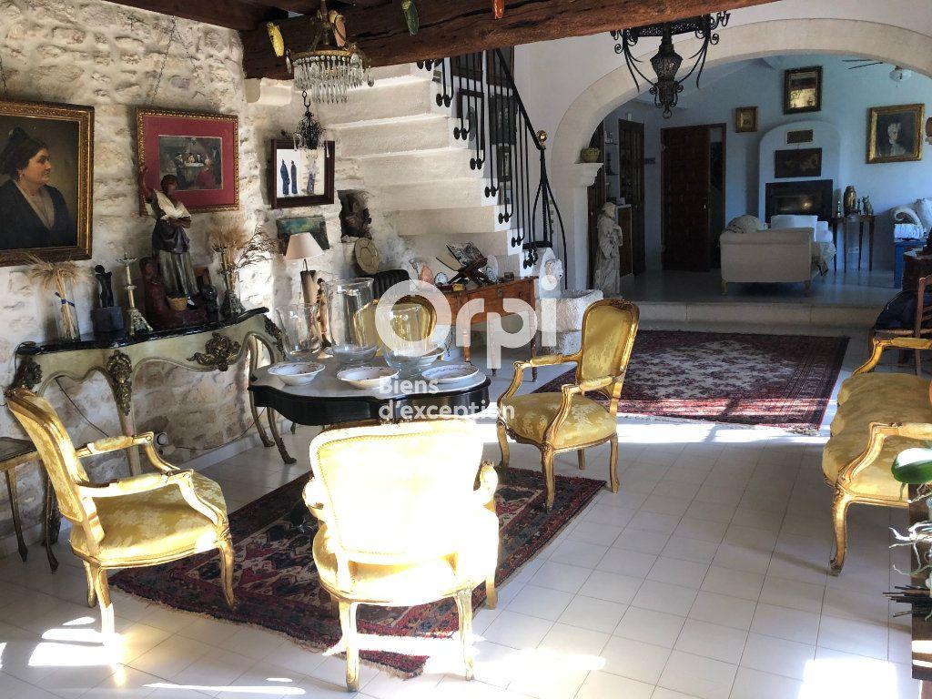 Maison à vendre 5 253m2 à Tarascon vignette-4