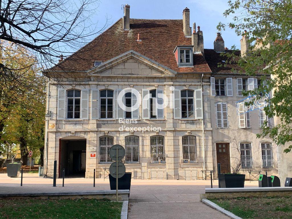 Maison à vendre 10 600m2 à Poligny vignette-1