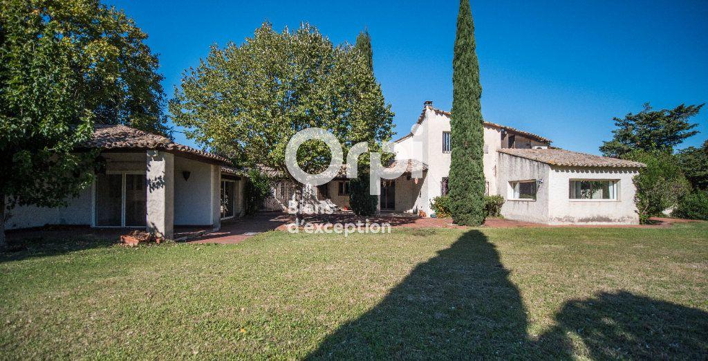 Maison à vendre 10 340m2 à Morières-lès-Avignon vignette-1