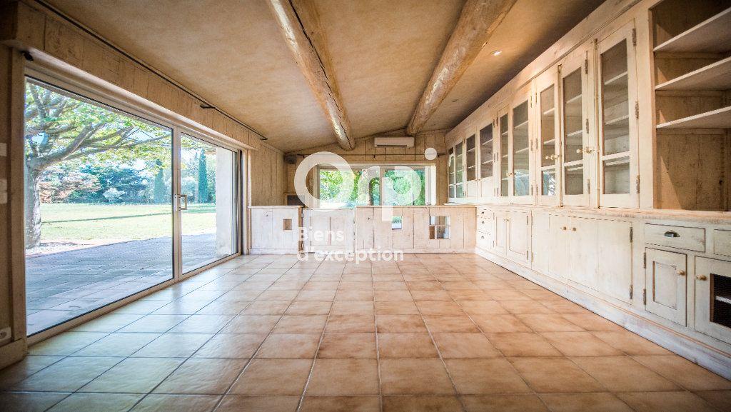 Maison à vendre 10 340m2 à Morières-lès-Avignon vignette-4