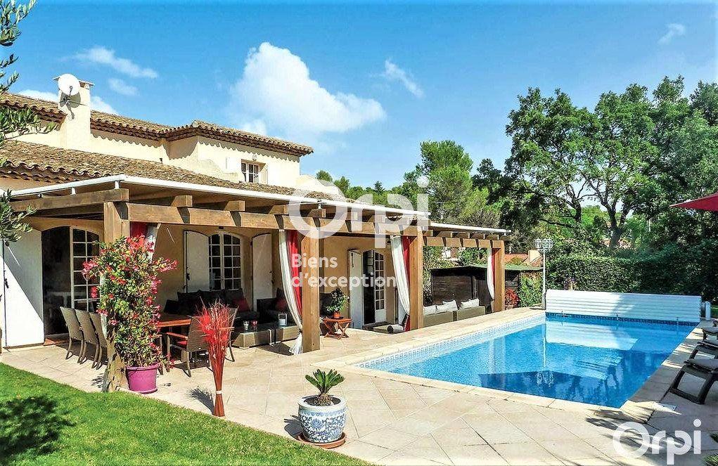 Maison à vendre 8 220m2 à Saint-Raphaël vignette-3