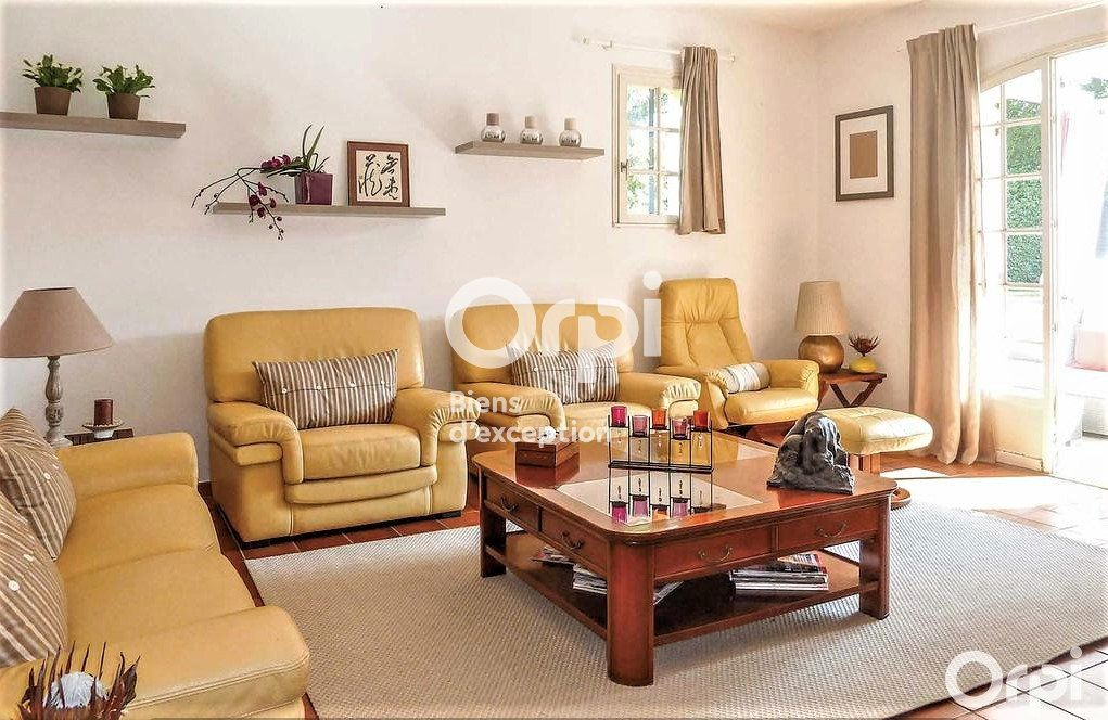 Maison à vendre 8 220m2 à Saint-Raphaël vignette-4