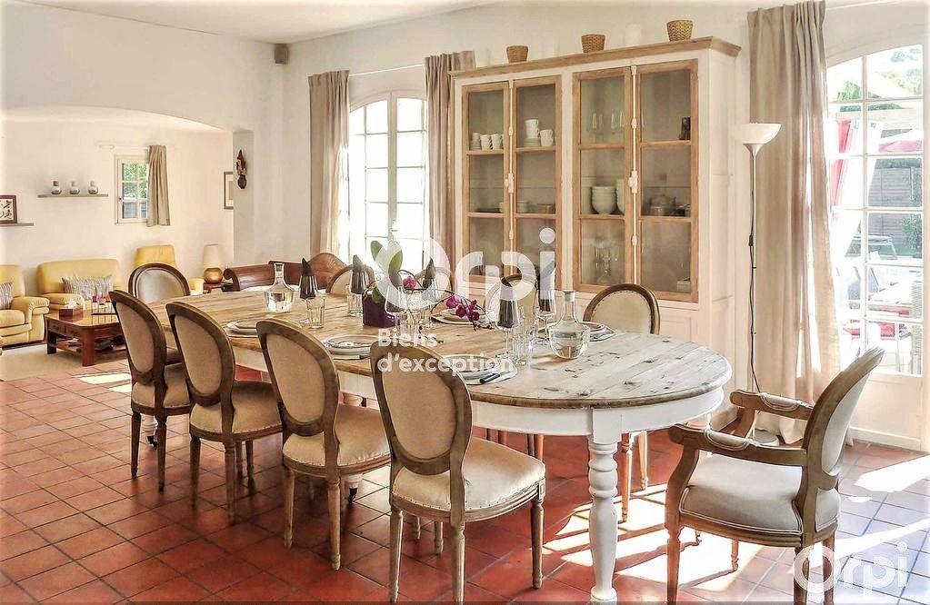 Maison à vendre 8 220m2 à Saint-Raphaël vignette-6