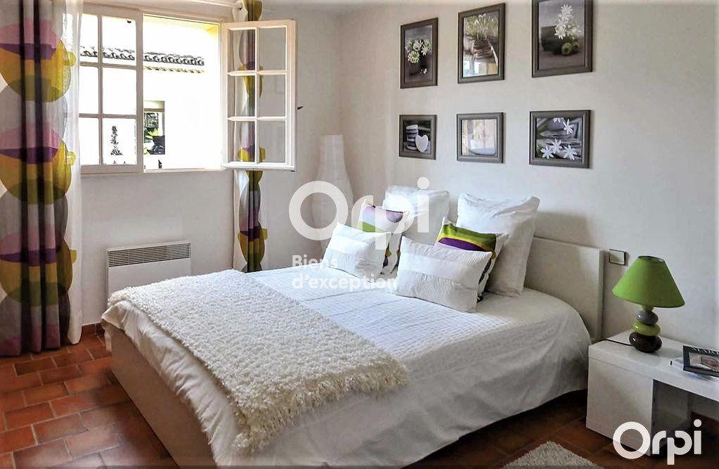 Maison à vendre 8 220m2 à Saint-Raphaël vignette-8