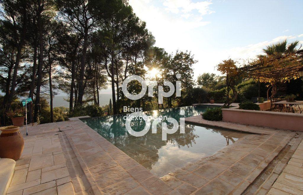 Maison à vendre 5 307m2 à Draguignan vignette-3