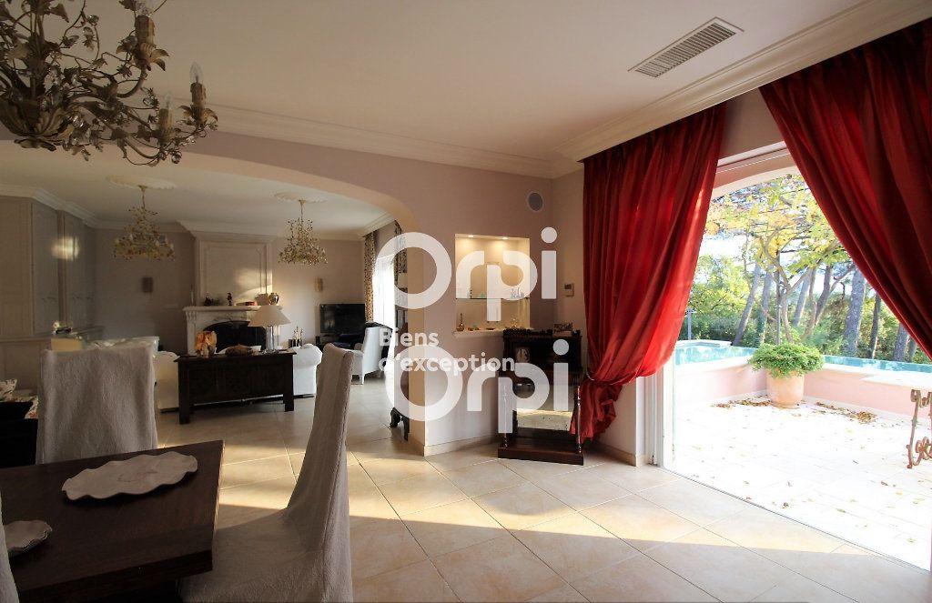 Maison à vendre 5 307m2 à Draguignan vignette-7