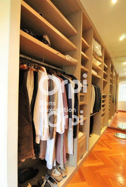 Maison à vendre 5 307m2 à Draguignan vignette-12