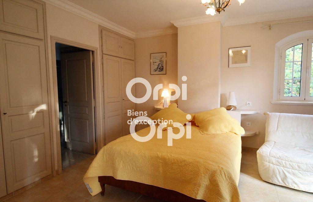 Maison à vendre 5 307m2 à Draguignan vignette-13