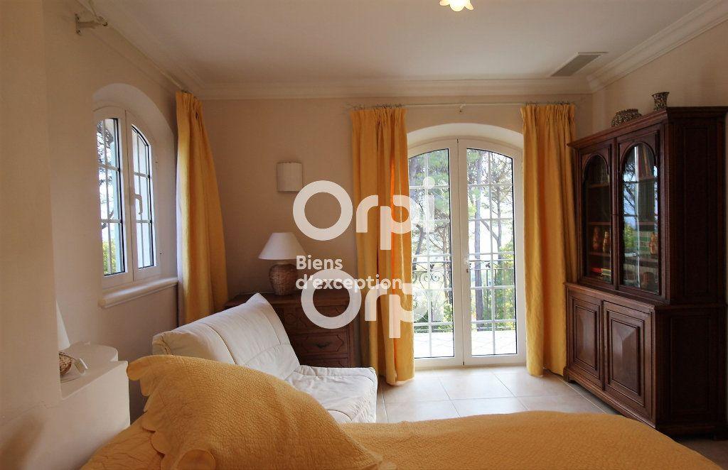 Maison à vendre 5 307m2 à Draguignan vignette-14
