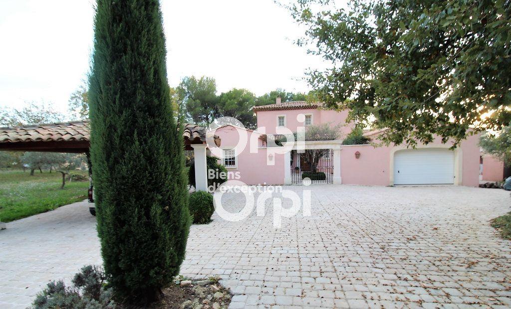 Maison à vendre 5 307m2 à Draguignan vignette-16