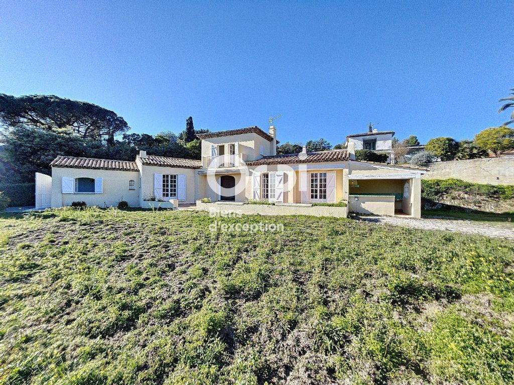 Maison à vendre 4 133m2 à Grimaud vignette-2