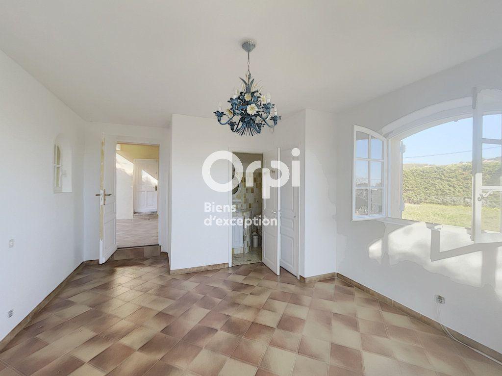Maison à vendre 4 133m2 à Grimaud vignette-3