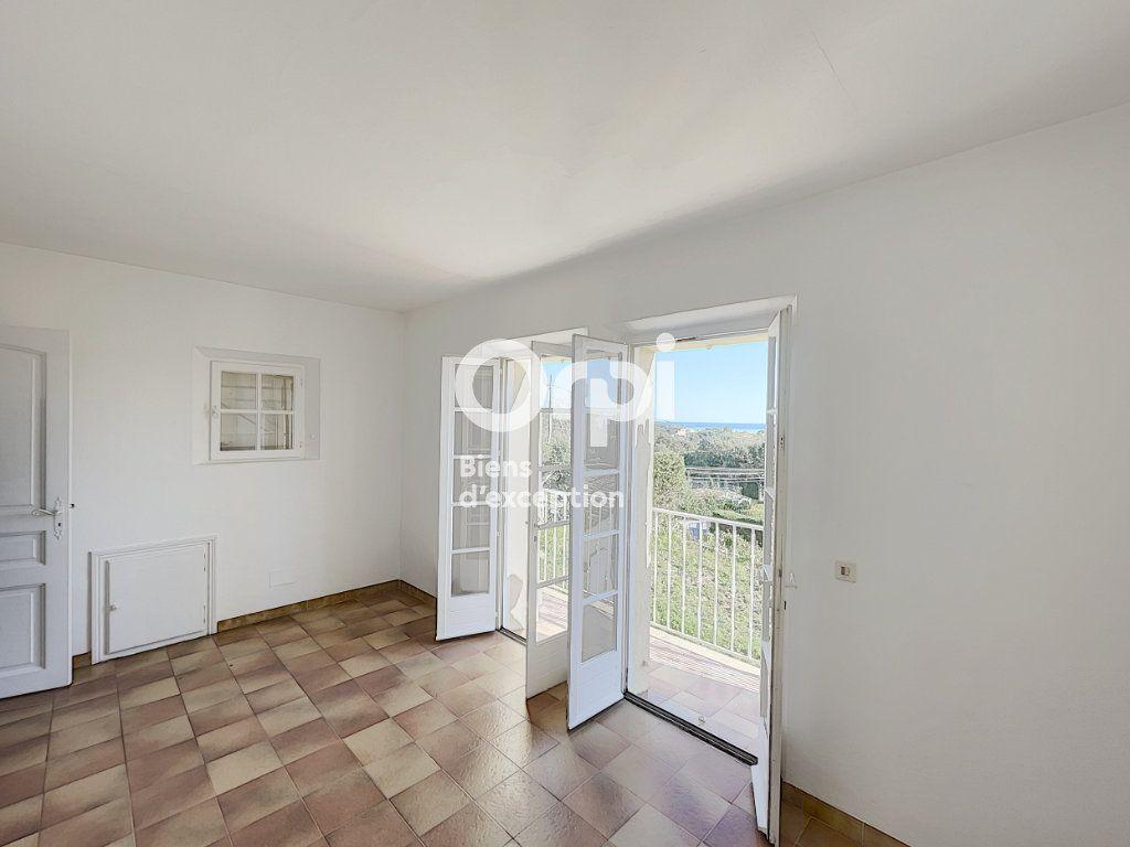 Maison à vendre 4 133m2 à Grimaud vignette-7