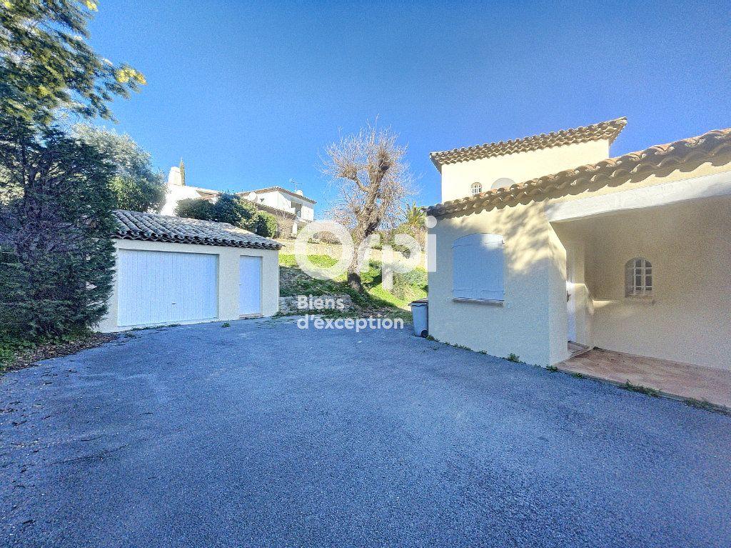 Maison à vendre 4 133m2 à Grimaud vignette-9