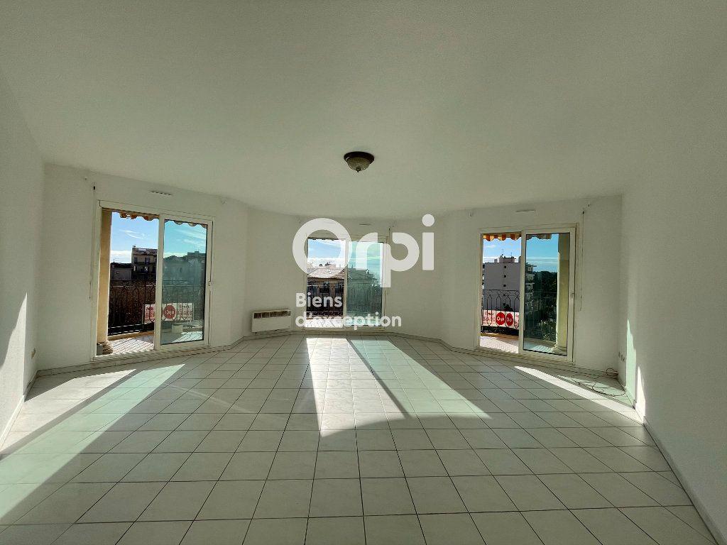 Appartement à vendre 3 92.75m2 à Menton vignette-5