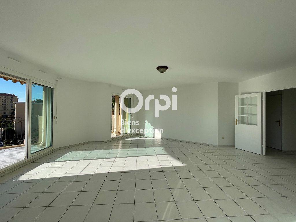 Appartement à vendre 3 92.75m2 à Menton vignette-7