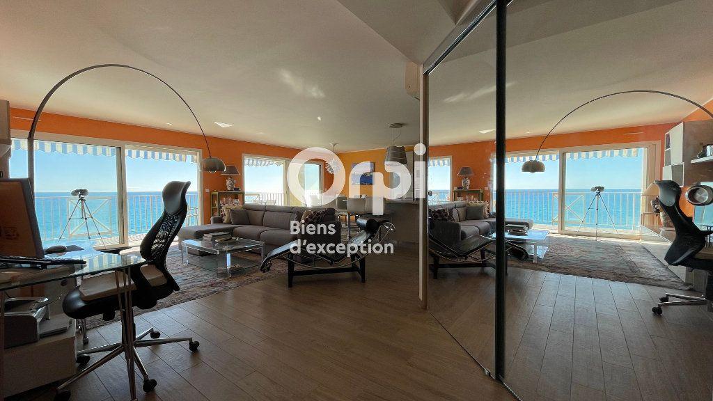 Appartement à vendre 4 97.66m2 à Menton vignette-5