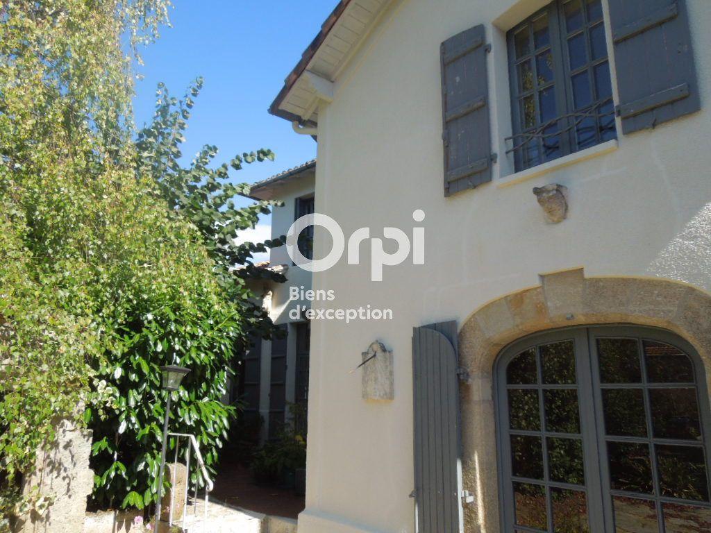 Maison à vendre 9 225m2 à Rochechouart vignette-3