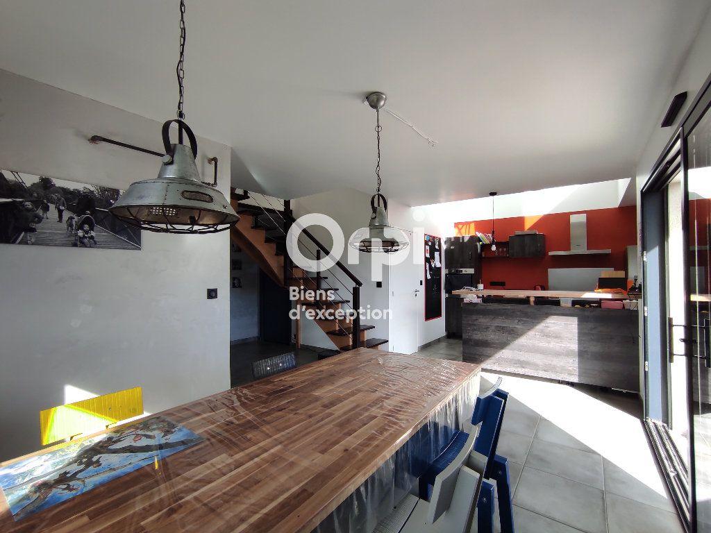 Maison à vendre 6 134m2 à Trébeurden vignette-2