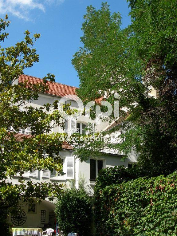 Maison à vendre 9 268.9m2 à Meaux vignette-1