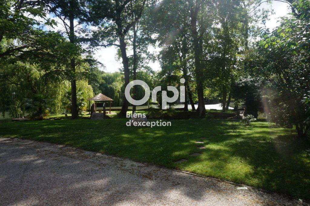 Maison à vendre 11 300m2 à Villiers-sur-Morin vignette-6