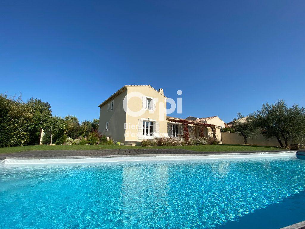 Maison à vendre 4 121m2 à Vaison-la-Romaine vignette-1