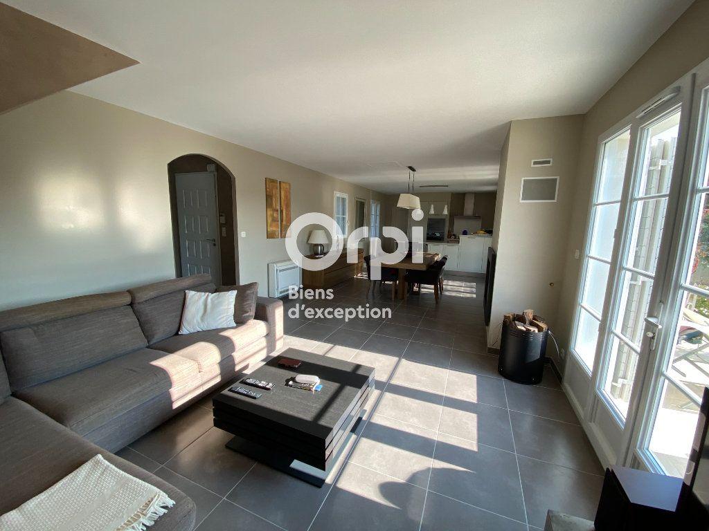 Maison à vendre 4 121m2 à Vaison-la-Romaine vignette-4