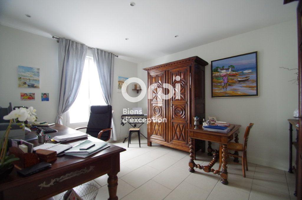Maison à vendre 10 368m2 à Châtelaillon-Plage vignette-5