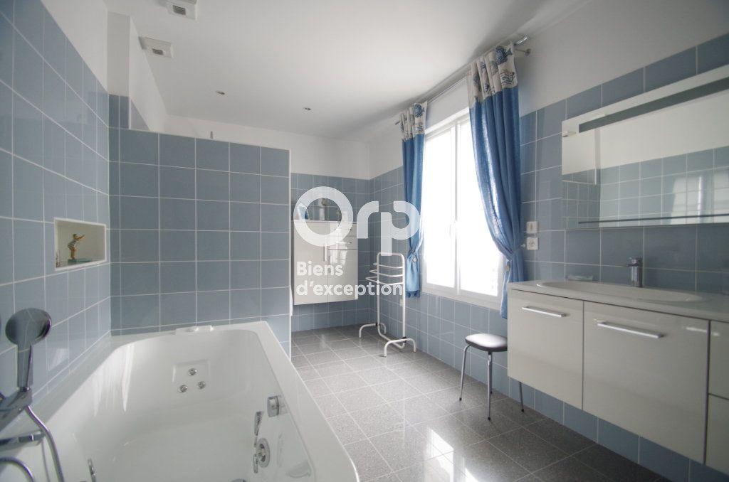 Maison à vendre 10 368m2 à Châtelaillon-Plage vignette-9
