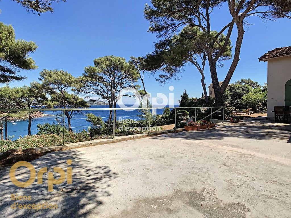 Maison à vendre 5 123m2 à La Seyne-sur-Mer vignette-4