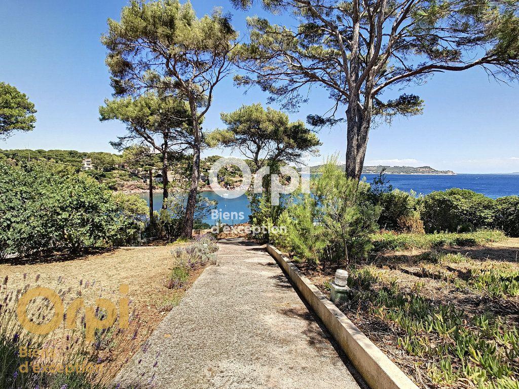 Maison à vendre 5 123m2 à La Seyne-sur-Mer vignette-9