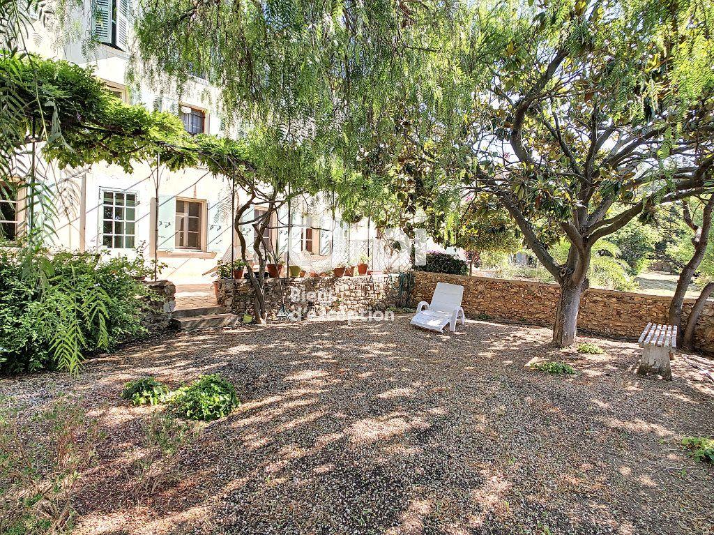 Maison à vendre 9 300m2 à Six-Fours-les-Plages vignette-4