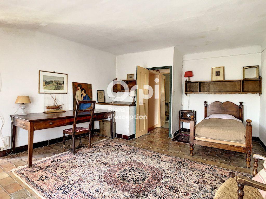 Maison à vendre 9 300m2 à Six-Fours-les-Plages vignette-8