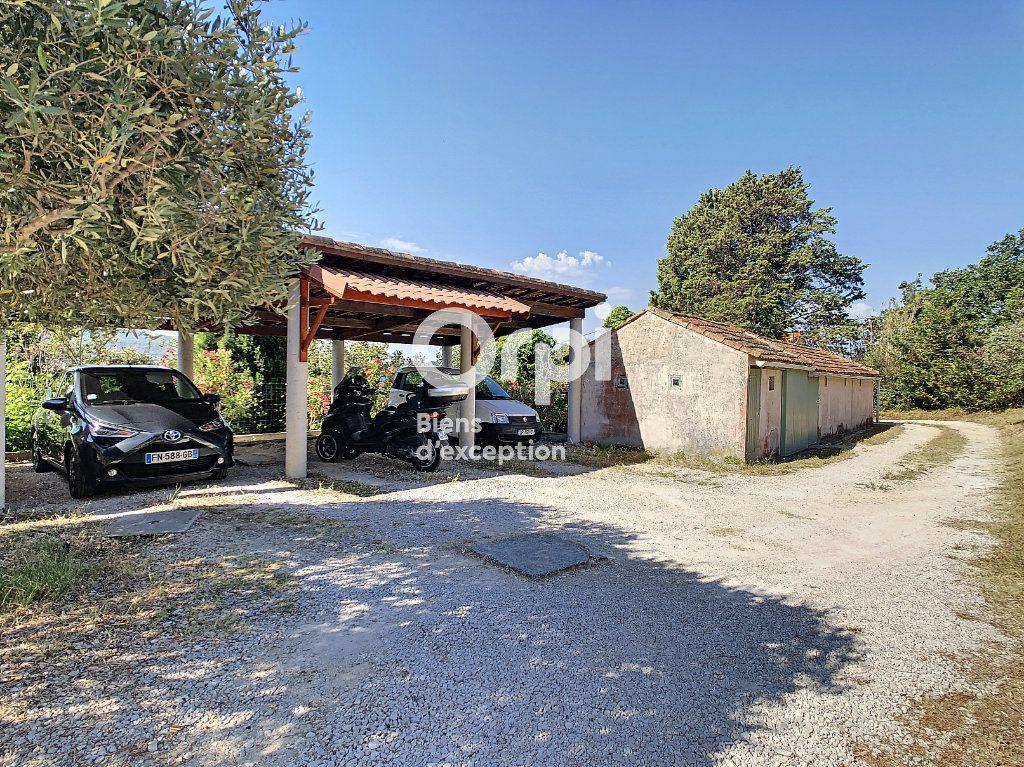Maison à vendre 9 300m2 à Six-Fours-les-Plages vignette-13