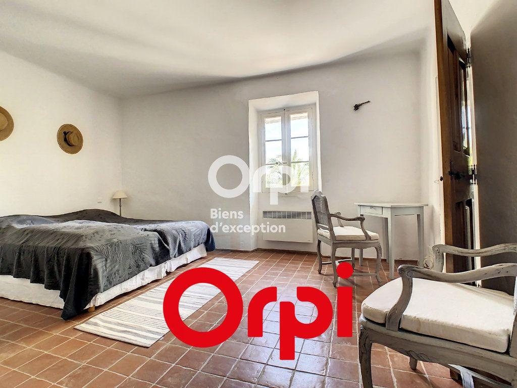 Maison à vendre 8 300m2 à Le Beausset vignette-12