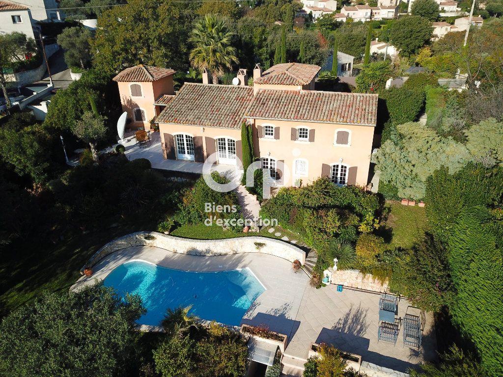 Maison à vendre 5 200m2 à Antibes vignette-1